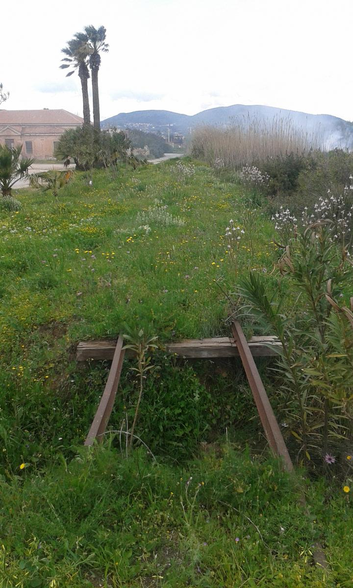 Φωτογραφίες Lavrio Thorikos on disused railway track