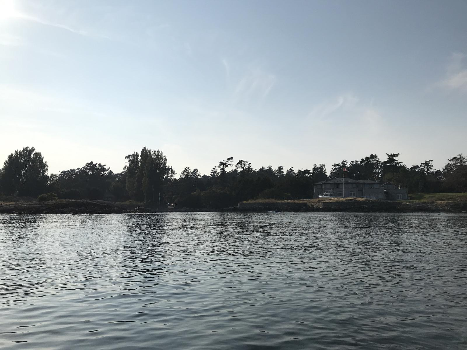 Слика од Discovery Island From Smuggler's Cove