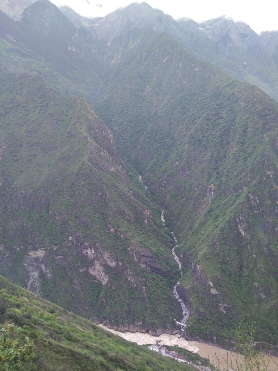 的照片 Tiger leaping gorge in One Day