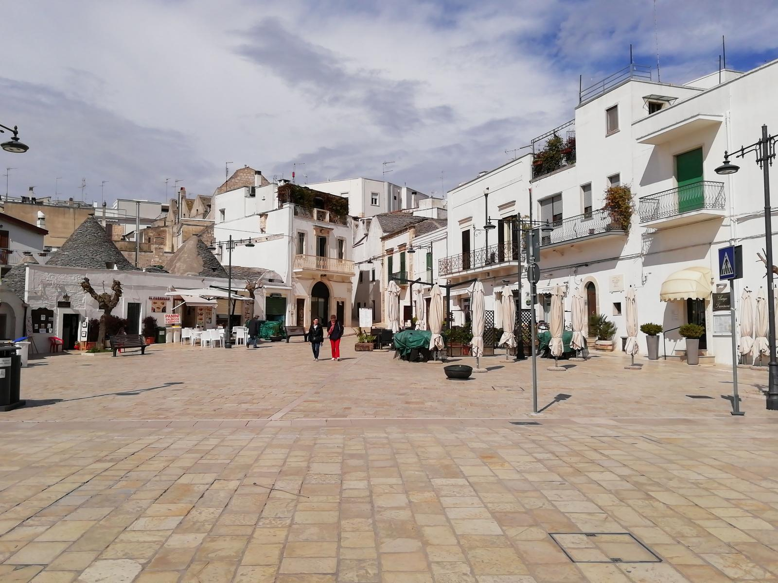 Photo de Alberrobello centre et sonvillage de trulli