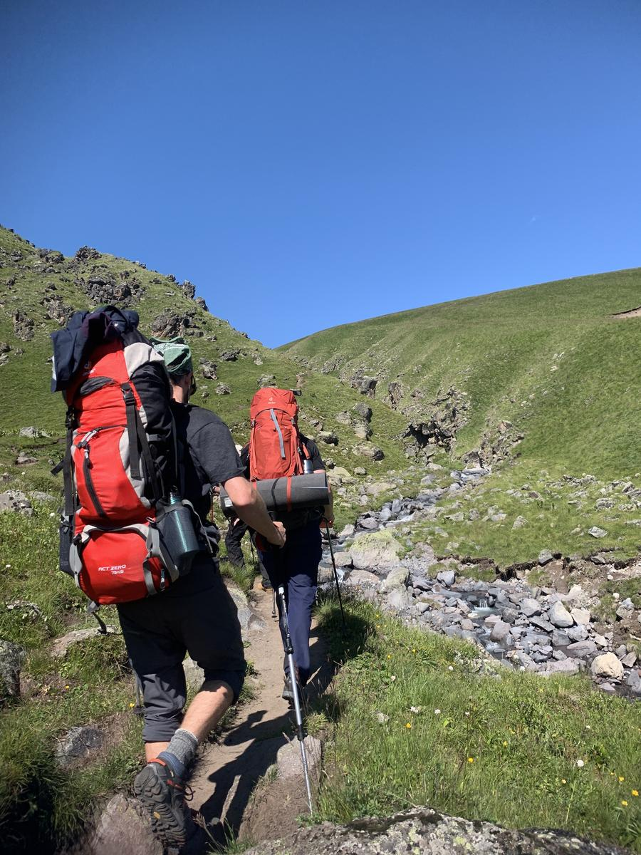Foto von Elbrus North Day 3 Hike from Base Camp to High Camp