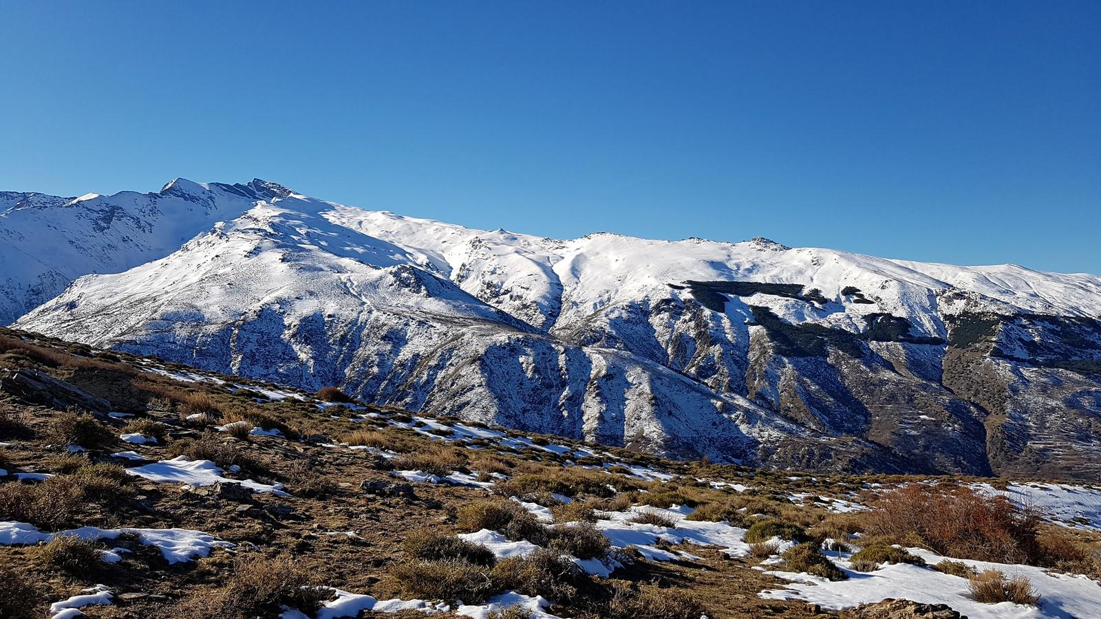 Photo of Ascenso al Puntal de los Cuartos (Invernal en Sierra Nevada)