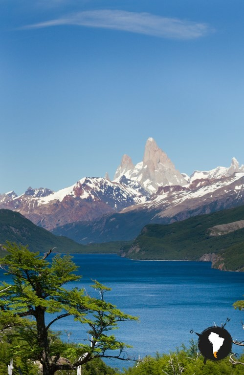 Фото Cross the Patagonian Andes toward iconic Mount Fitz Roy