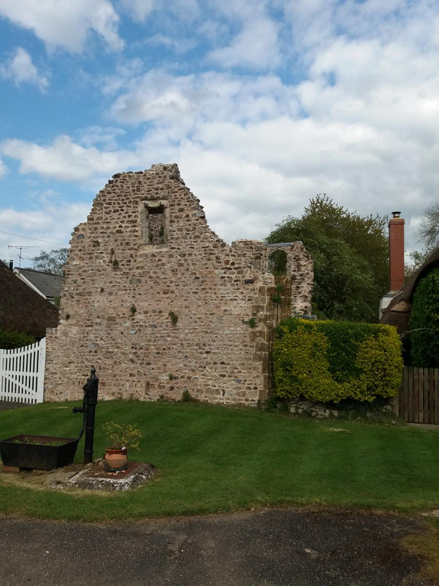 Foto von Blackdown Hills - Madford valley and Dunkeswell Abbey ruins