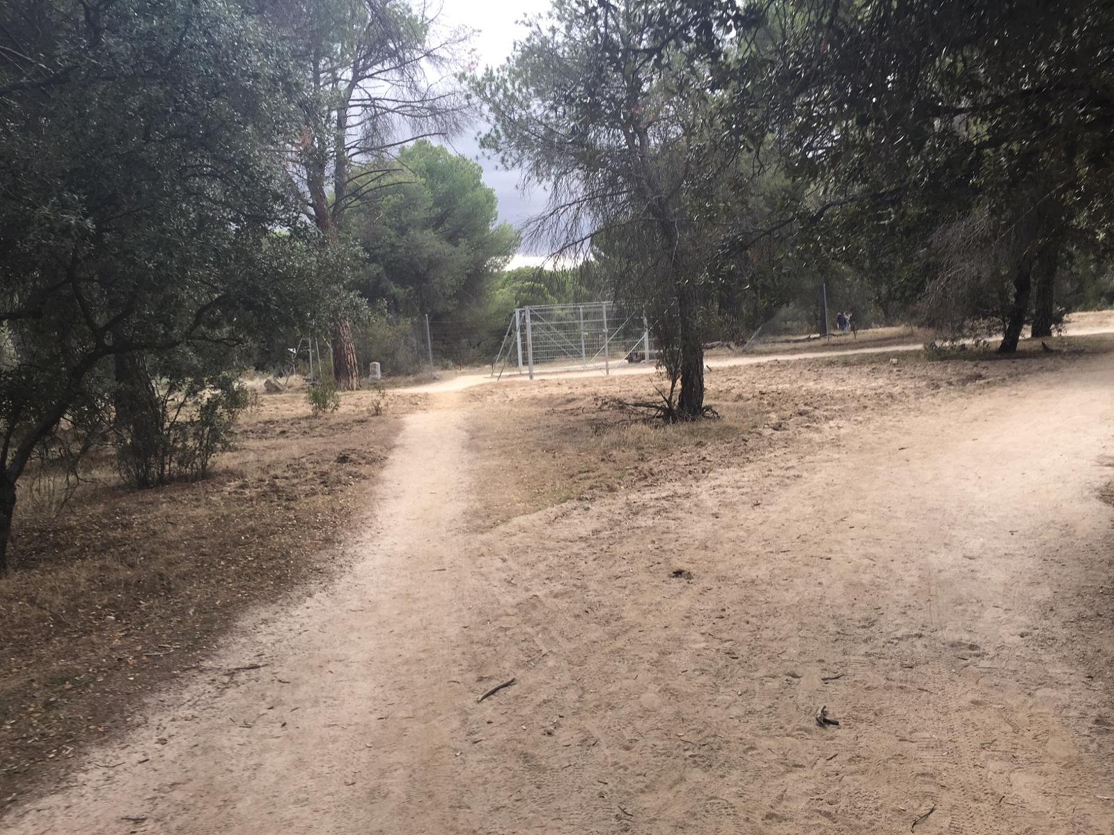 Фото Majadahonda - Snakes & Ladders, Pozuelo and Camels Back